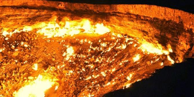 Kawah Gas Bumi Darvaza