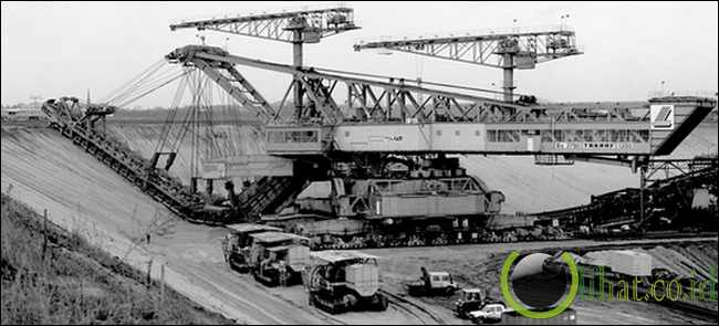 Overburden Conveyor Bridge F60: Mesin Terbesar yang dapat Bergerak Bebas