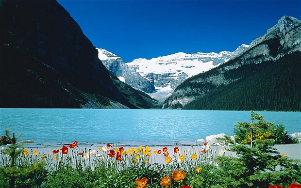 Beautiful places to visit lake louise canada for Prettiest places in canada