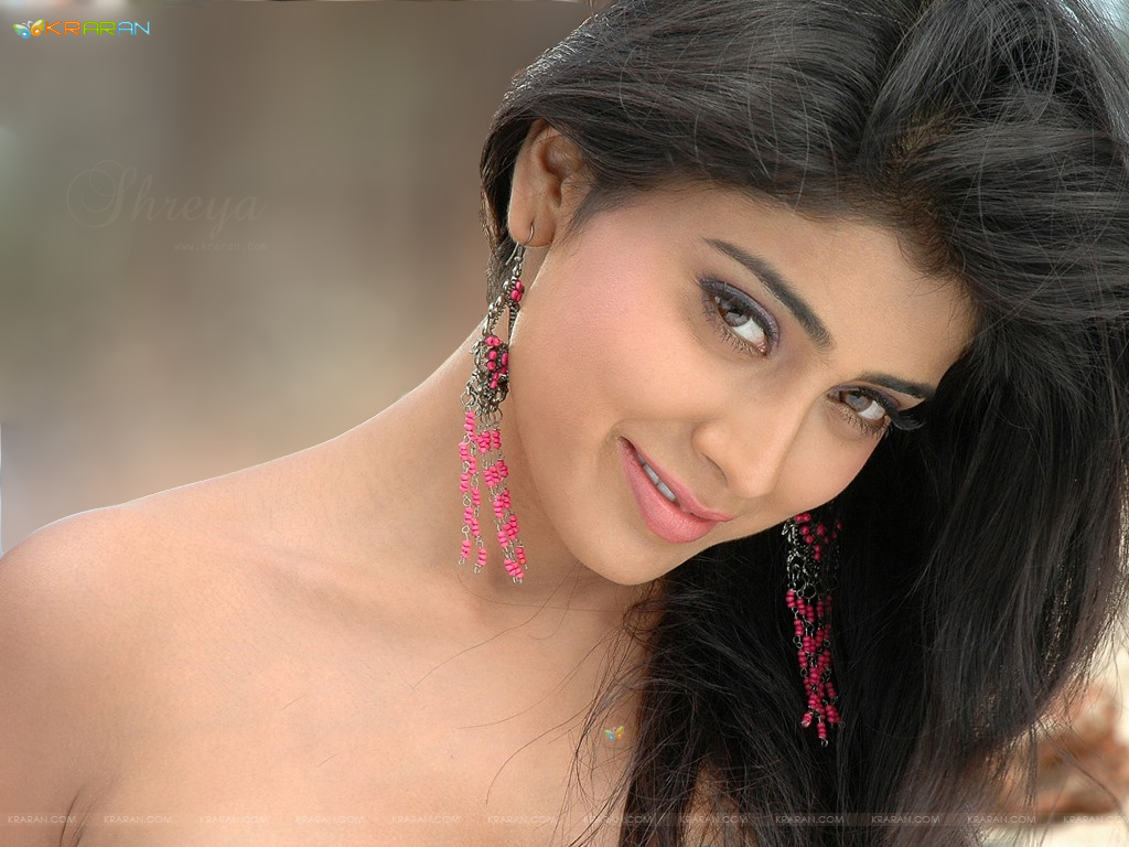 top hd bollywood wallapers: shriya saran wallpapers