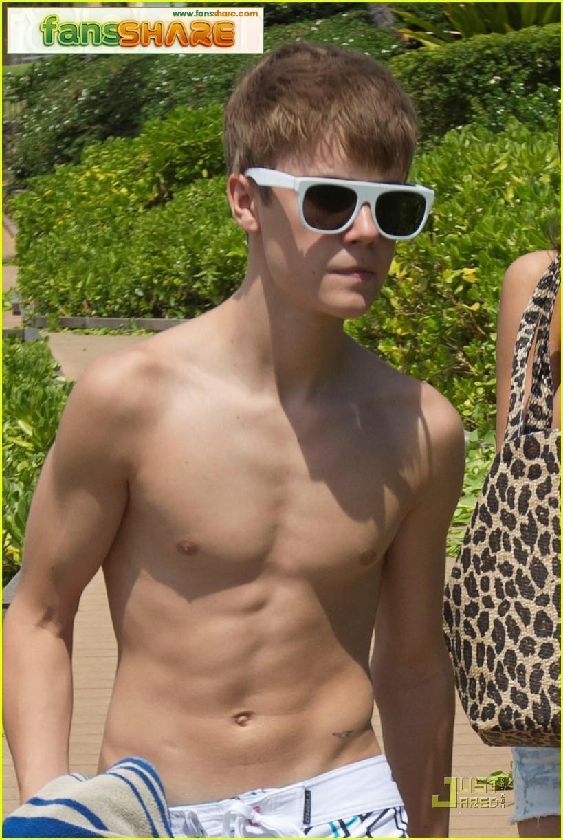 http://4.bp.blogspot.com/-_5sB2Rh12us/TmGbfw7le8I/AAAAAAAAAJg/vh7S7eeBgoI/s1600/shirtless-justin-bieber-hits-beach.jpg