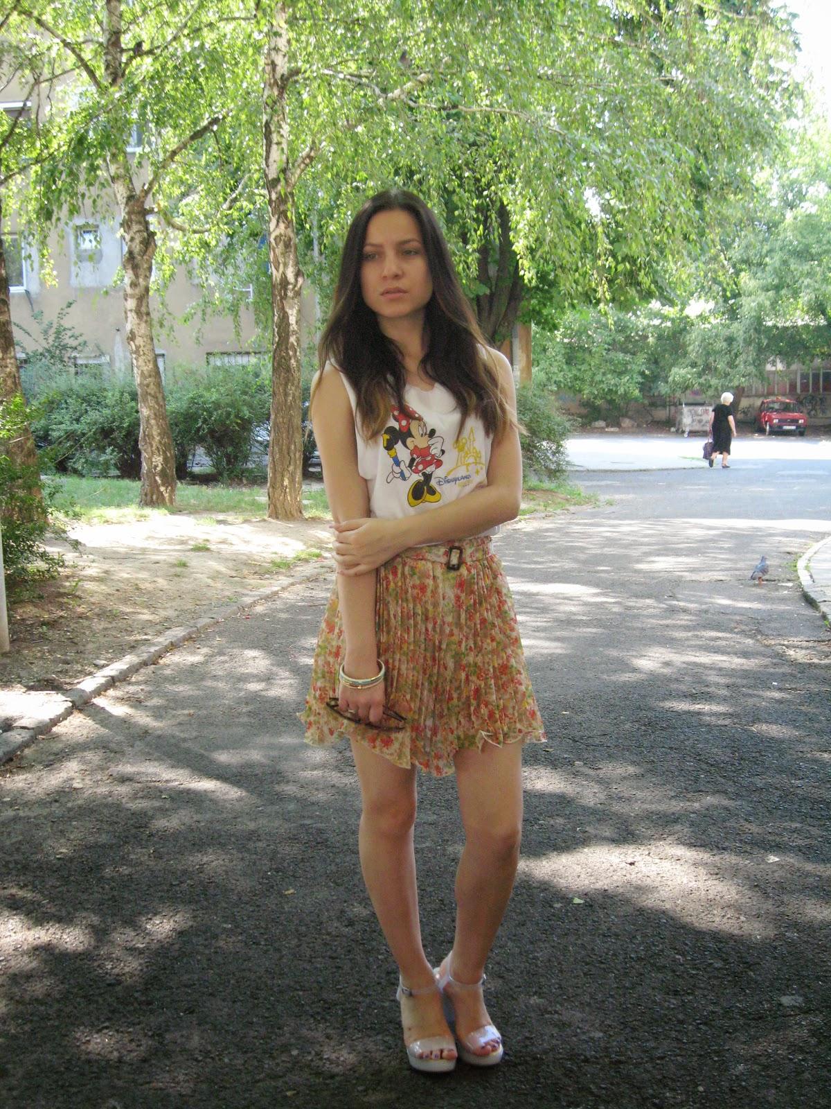 Disney minnie mouse t-shirt tee tank top, pleated floral short skirt, platform clear white straps sandals, avon colorful bracelets