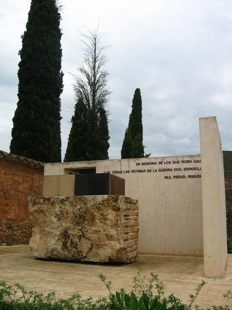 paz-piedad-perdon-monumento