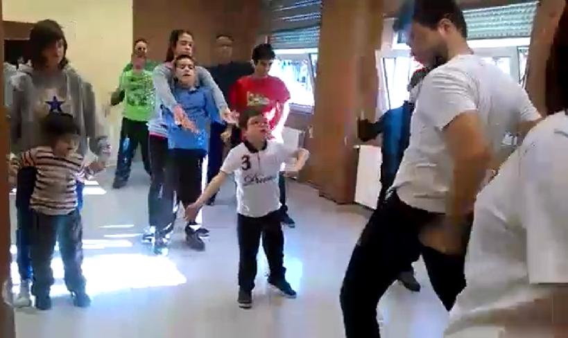 Con placer bailar hilarante