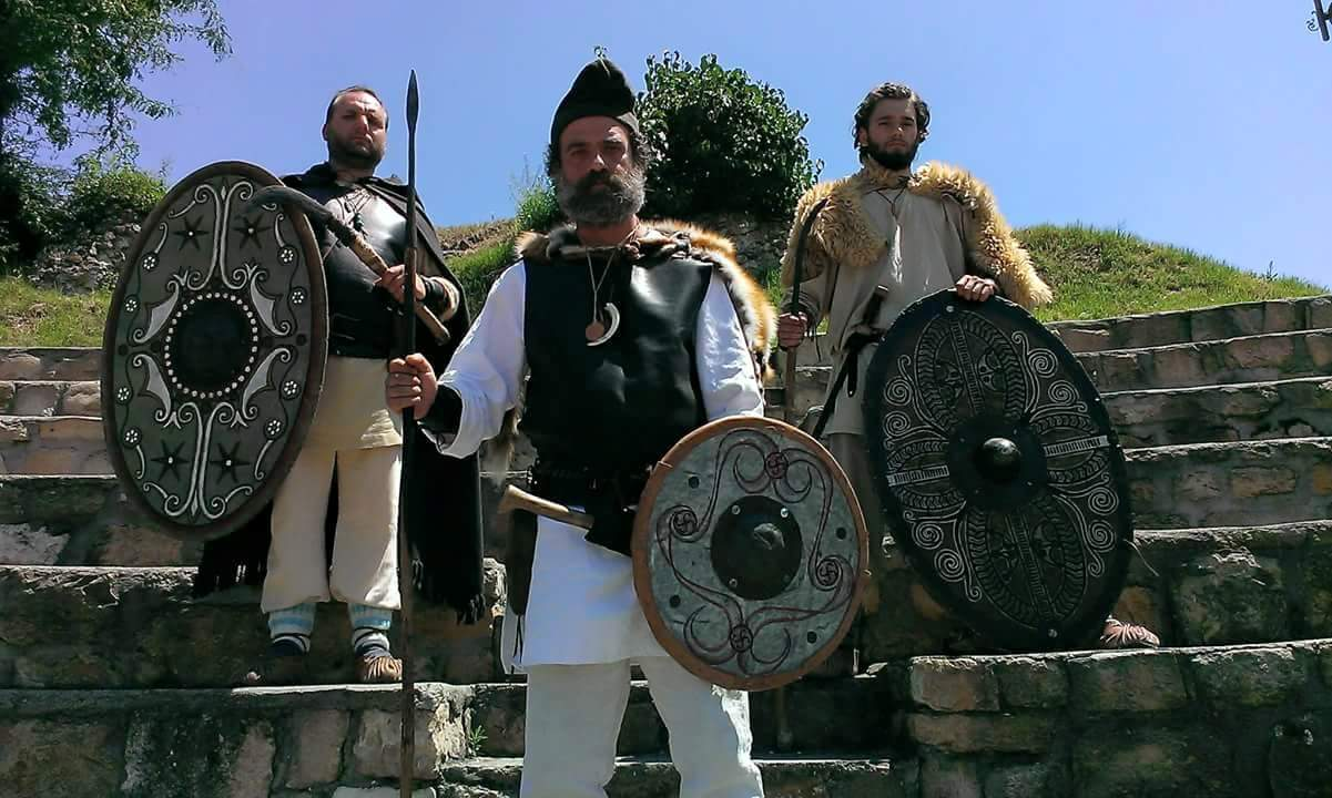 clegionari daci romani costume