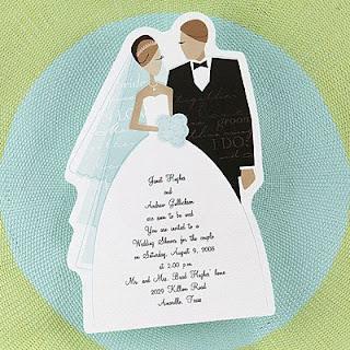 Mensagens para convites de casamento: Convite com uma mensagem na saia da noiva