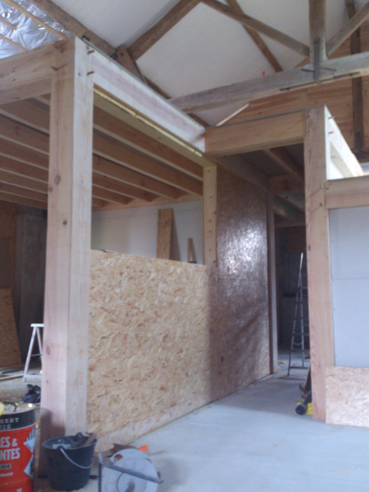 Vitre separation cuisine meubles hauts de cuisine for Meuble qui s accroche au mur