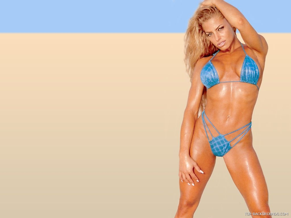 Iesikin trish stratus hot wwe diva for Hottest wwe diva