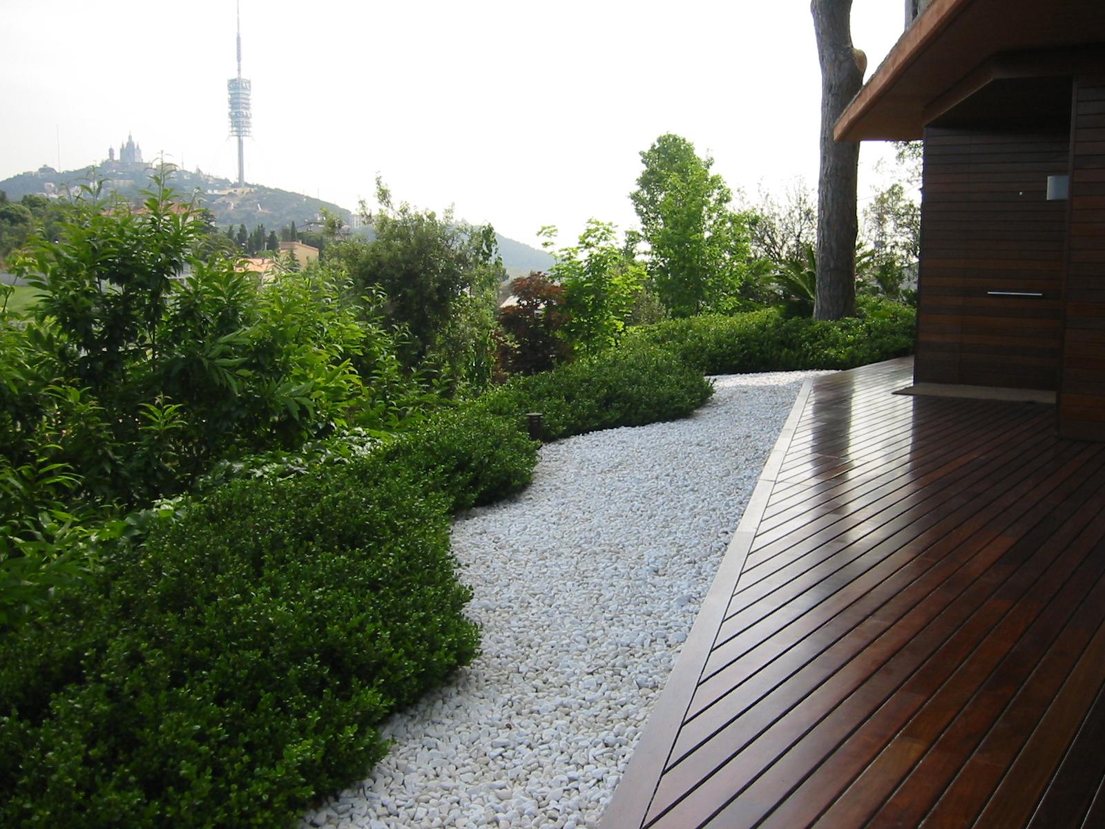 Jardins dissenyats per nosaltres for Jardines medianos