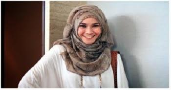 Penyebab rambut rusak karena mengenakan jilbab saat  rambut basah