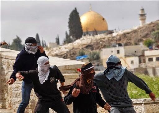 Intifadah Al-Aqsha Souvenir Warga Al-Quds Untuk Kembalikan Haknya