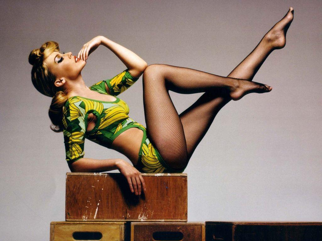 http://4.bp.blogspot.com/-_6vOnRHbZdg/TcFfuWdjjmI/AAAAAAAABbg/v1szCxUp3UM/s1600/Kylie-Minogue-145.jpg
