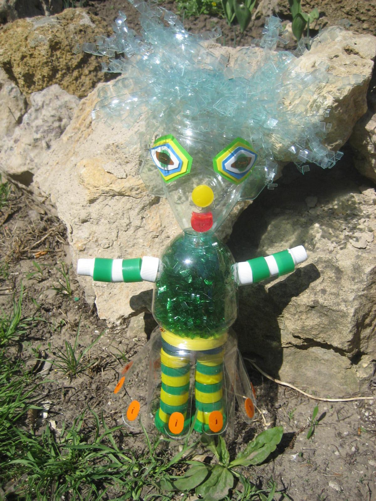 Поделки из пластиковых бутылок: мастер-класс для детского сада 32