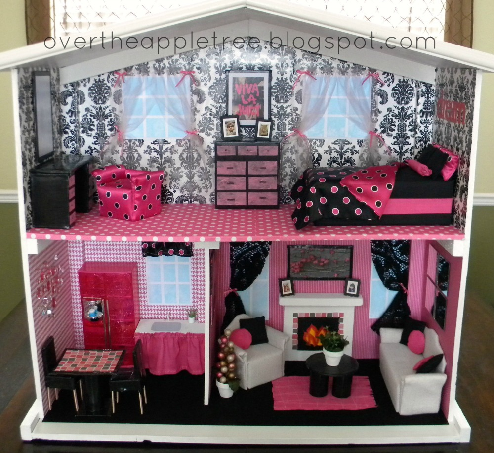 Over the apple tree diy barbie house for Dream house days furniture
