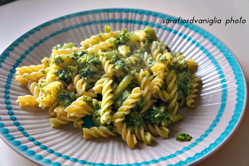 fusilli broccoli e gorgonzola