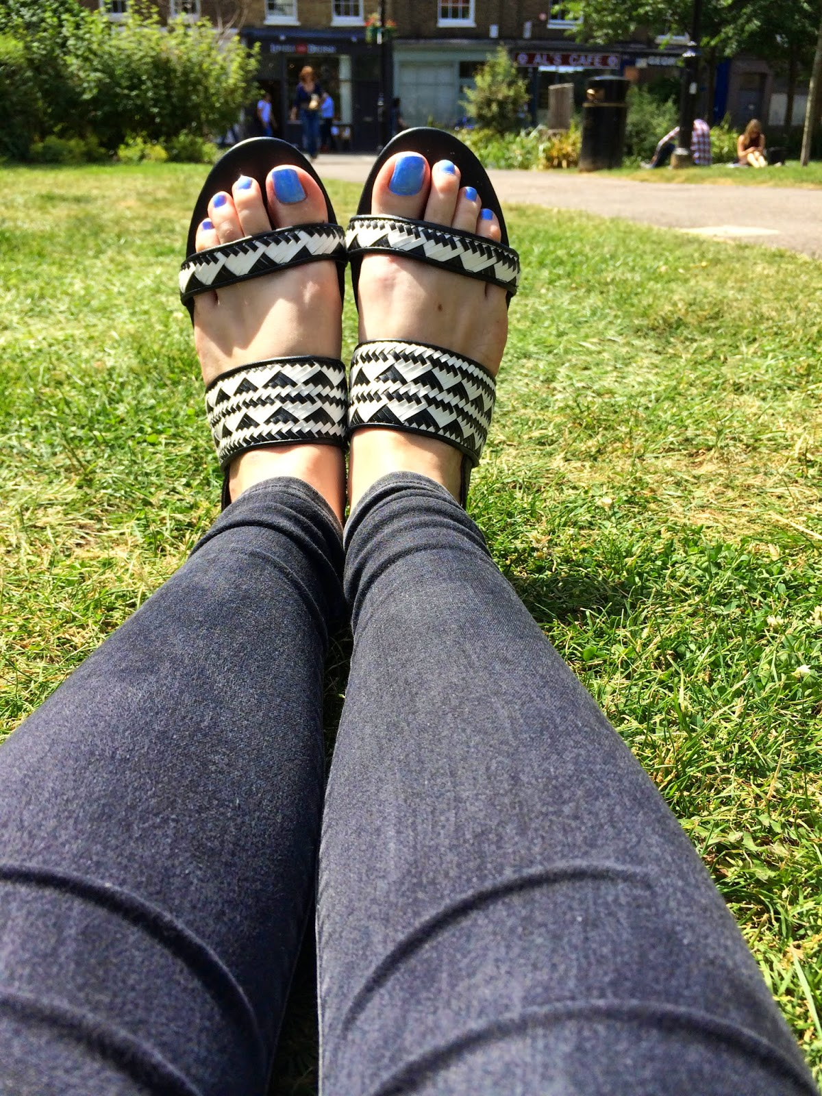 Primark Monocrome Summer Sandals Review 3