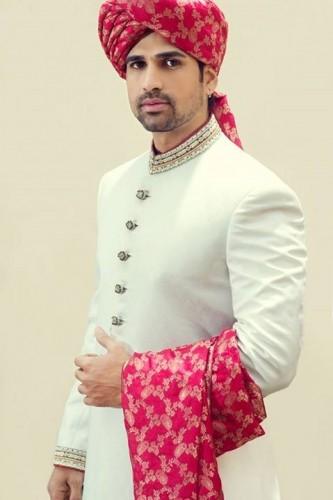 Groom Attractive Design Sherwani By Pakistani Designer