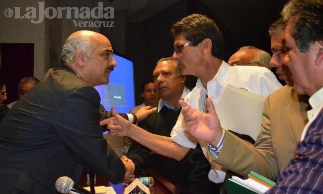 Reclamos por la Reforma Fiscal en Xalapa - La Jornada Veracruz