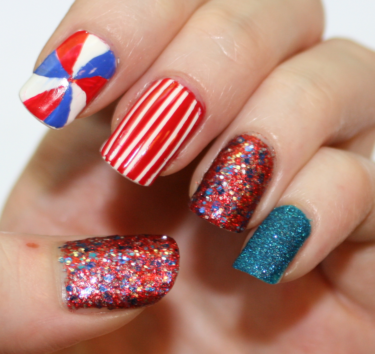 evlady: Fourth of July Nail Art