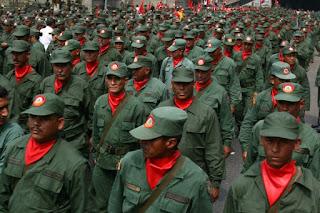 """Perigo: Maduro, apoiado por Dilma, planeja a criação de """"milícias operárias"""", semelhante a 'Waffen-SS' de Hitler"""