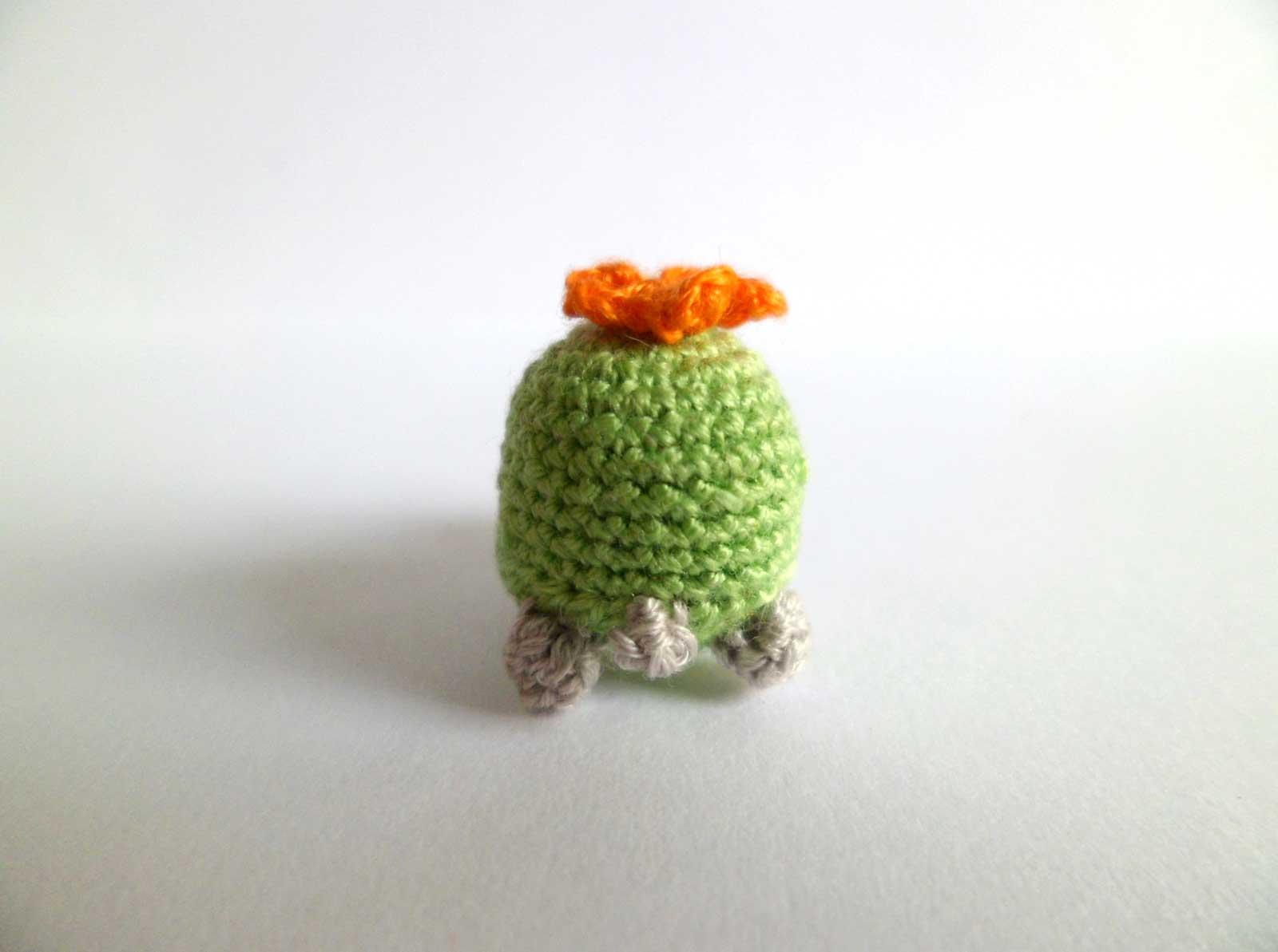 how to make miniature crochet animals