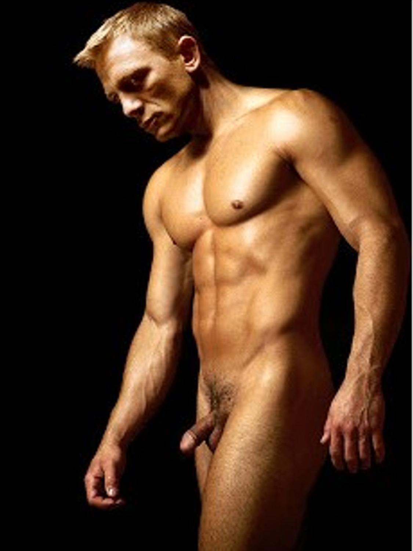 http://4.bp.blogspot.com/-_8AVPrUC16Q/UIw1SRpuUSI/AAAAAAAADfI/tbZEn2AIeu0/s1600/daniel+craig+nude.jpg