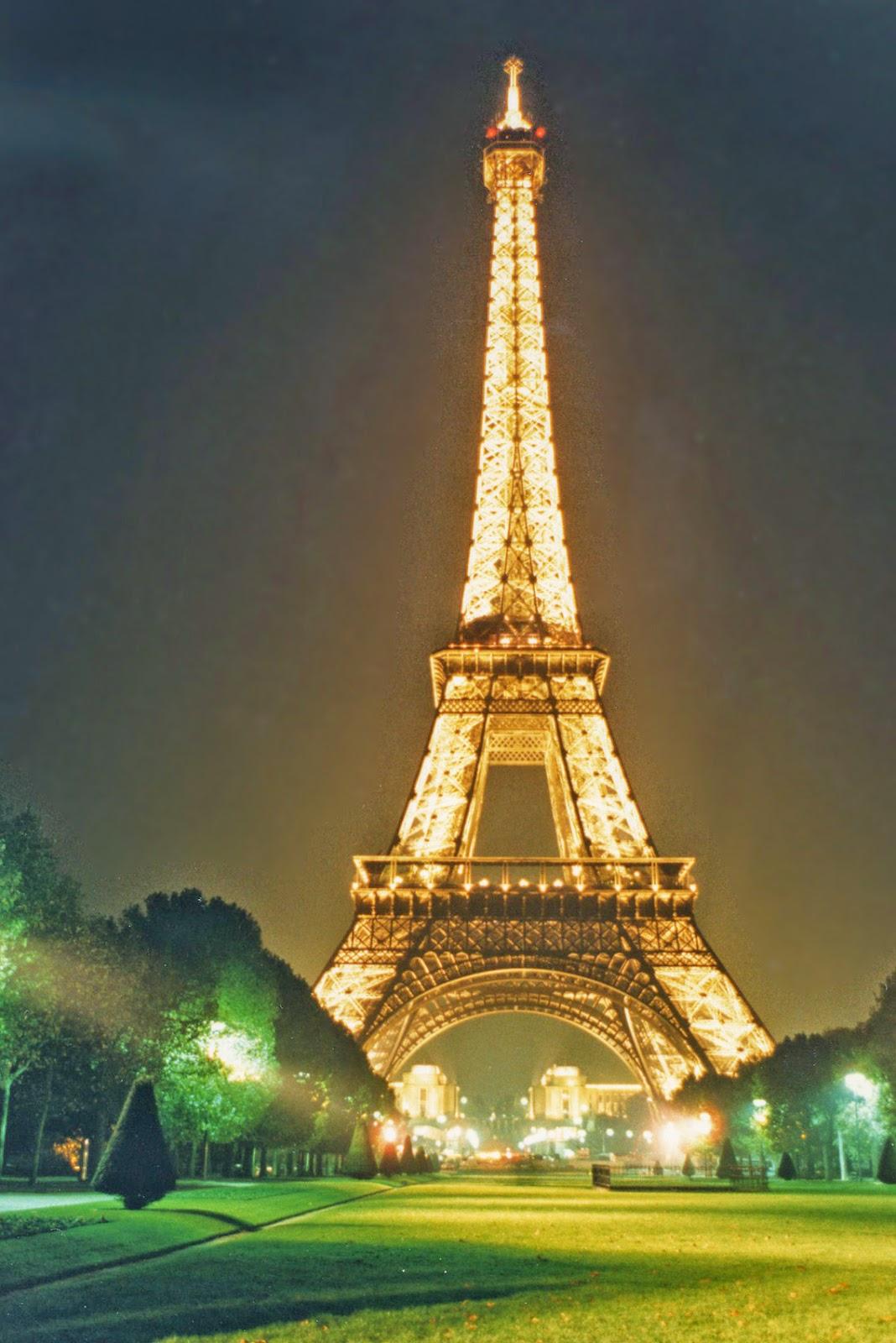 gambar Menara Eiffel tercantik ~ AKURAPOPO