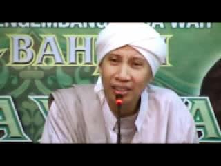 Buya Yahya - DR KH Yahya Zainul Ma'arif Al Bahjah Cirebon