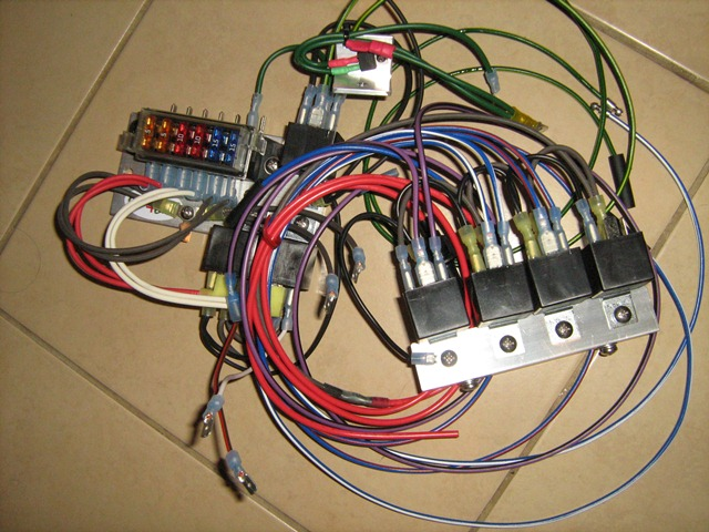 1 diary of an mgb let there be light fuses and relays mgb fuse box location at nearapp.co