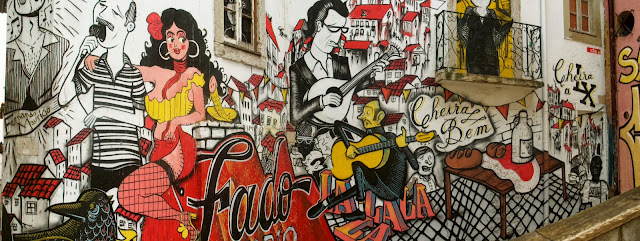 Street art in Lisbon on Semi-Charmed Kind of Life