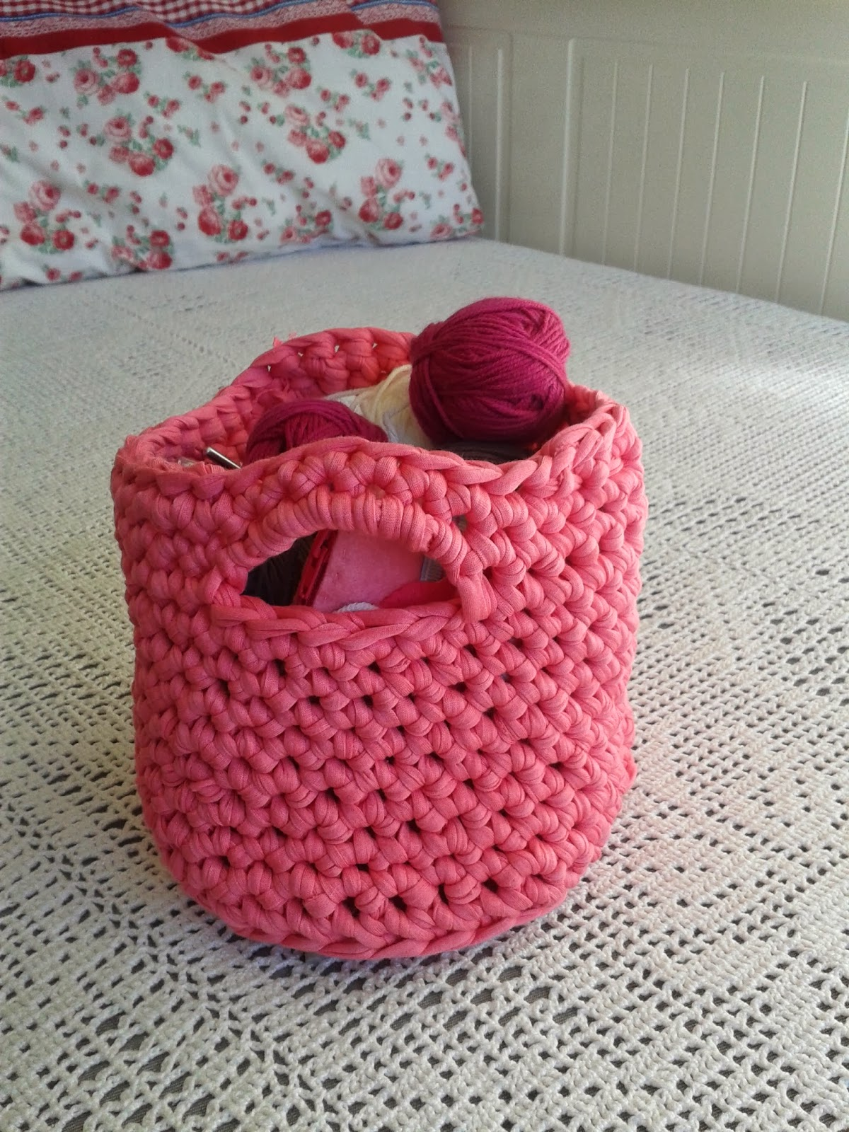Country Maison t-shirt yarn basket