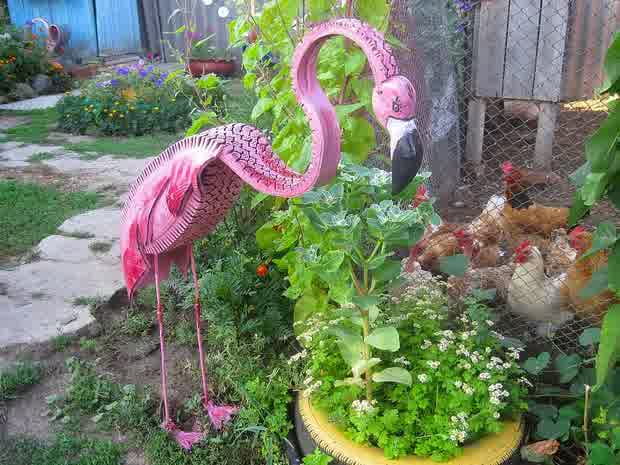 animal shaped garden decor using old tires