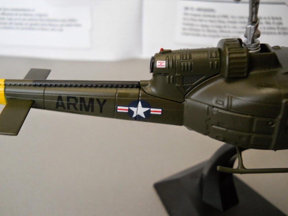 maqueta de helicoptero de la guerra de Vietnam
