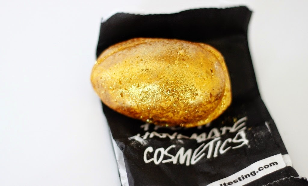 lush golden egg bath bomb bath melter review