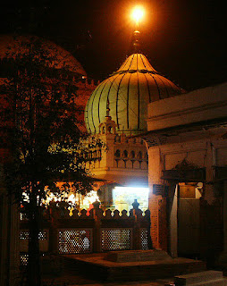 Dargah / Mazar of Nizamuddin Auliya at Delhi