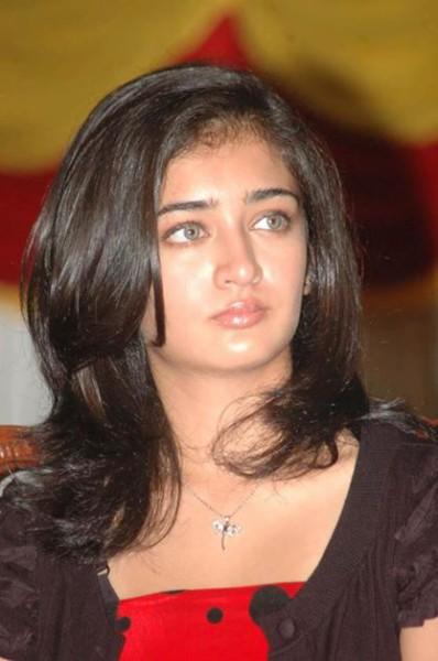Akshara Haasan  nackt