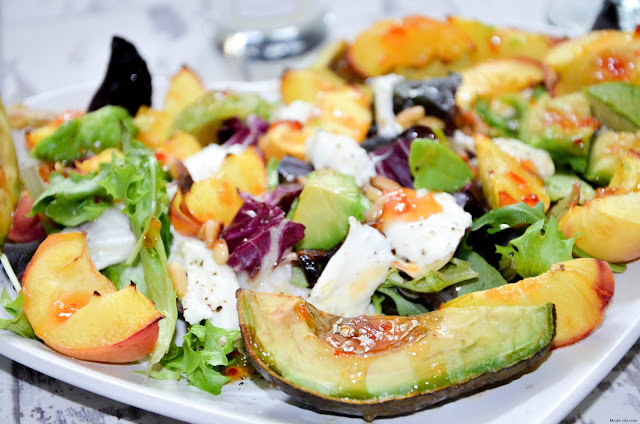Recipes: Peach and Mozzarella Sweet Chilli Salad