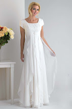 White Short Wedding Dresses with Sleeves
