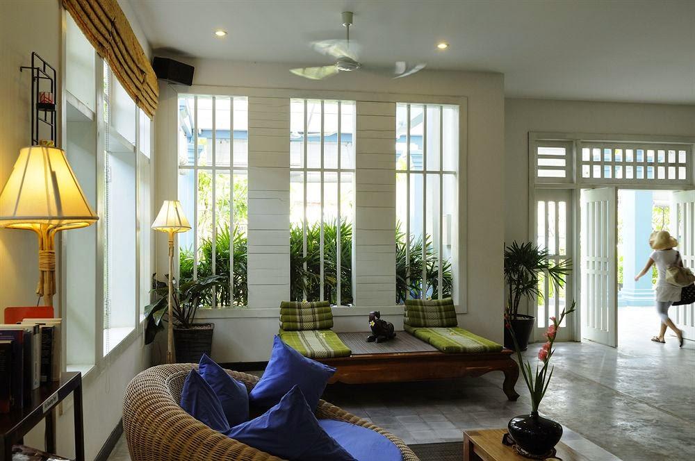 弗蘭吉帕尼別墅酒店 (Frangipani Villa Hotel)