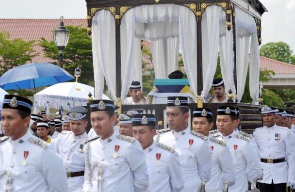 Luahan Sayu Raja Zarith Sofiah Almarhum Tunku Abdul Jalil
