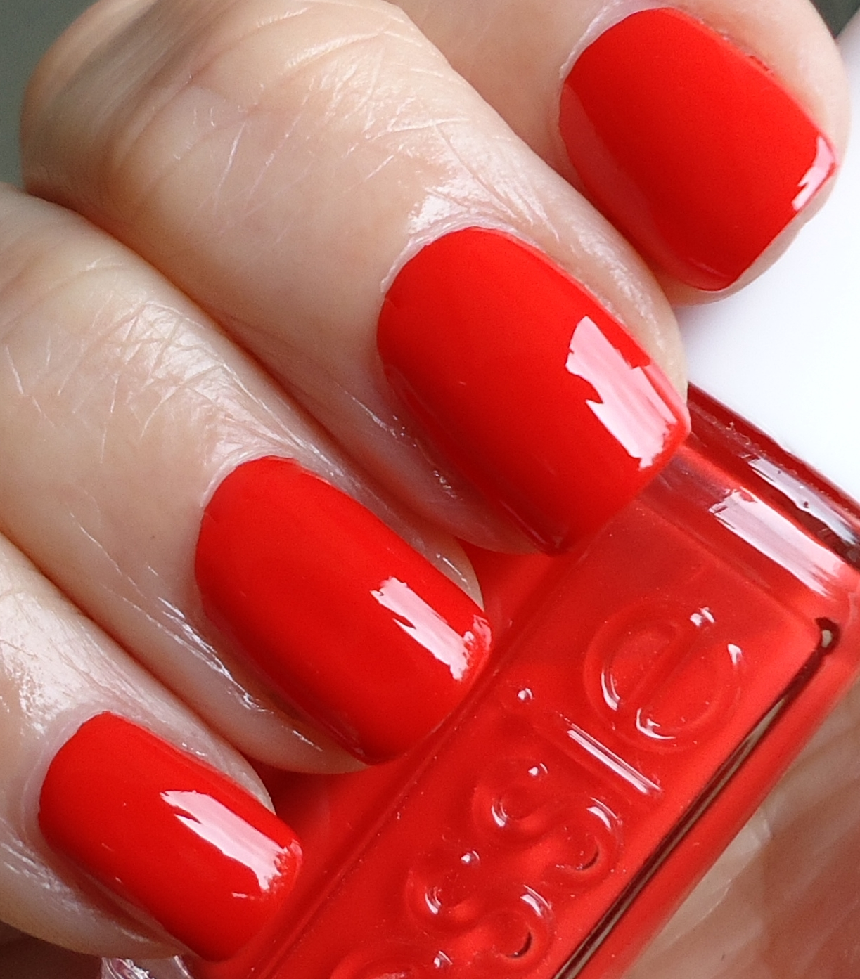 Making up 4 my age: A classic Essie red: Fifth Avenue