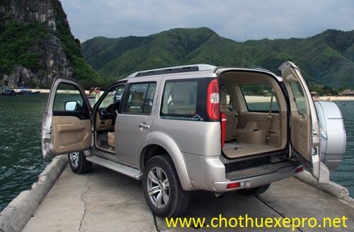 Cho thuê xe 7 chỗ Everest tại Hà Nội