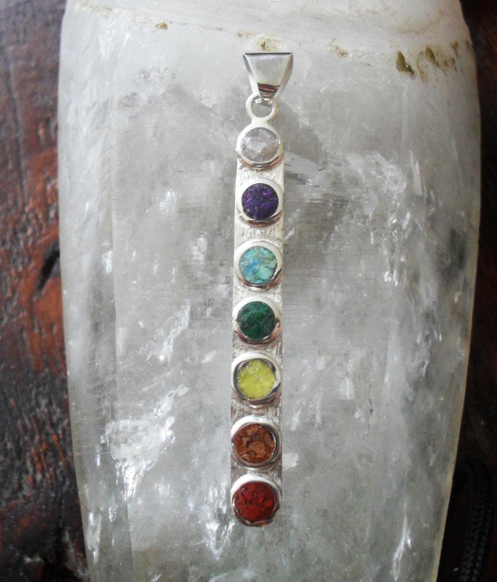 Caro aedo colgante chakras jaspe rojo piedra de rio for Piedra de rio blanca precio