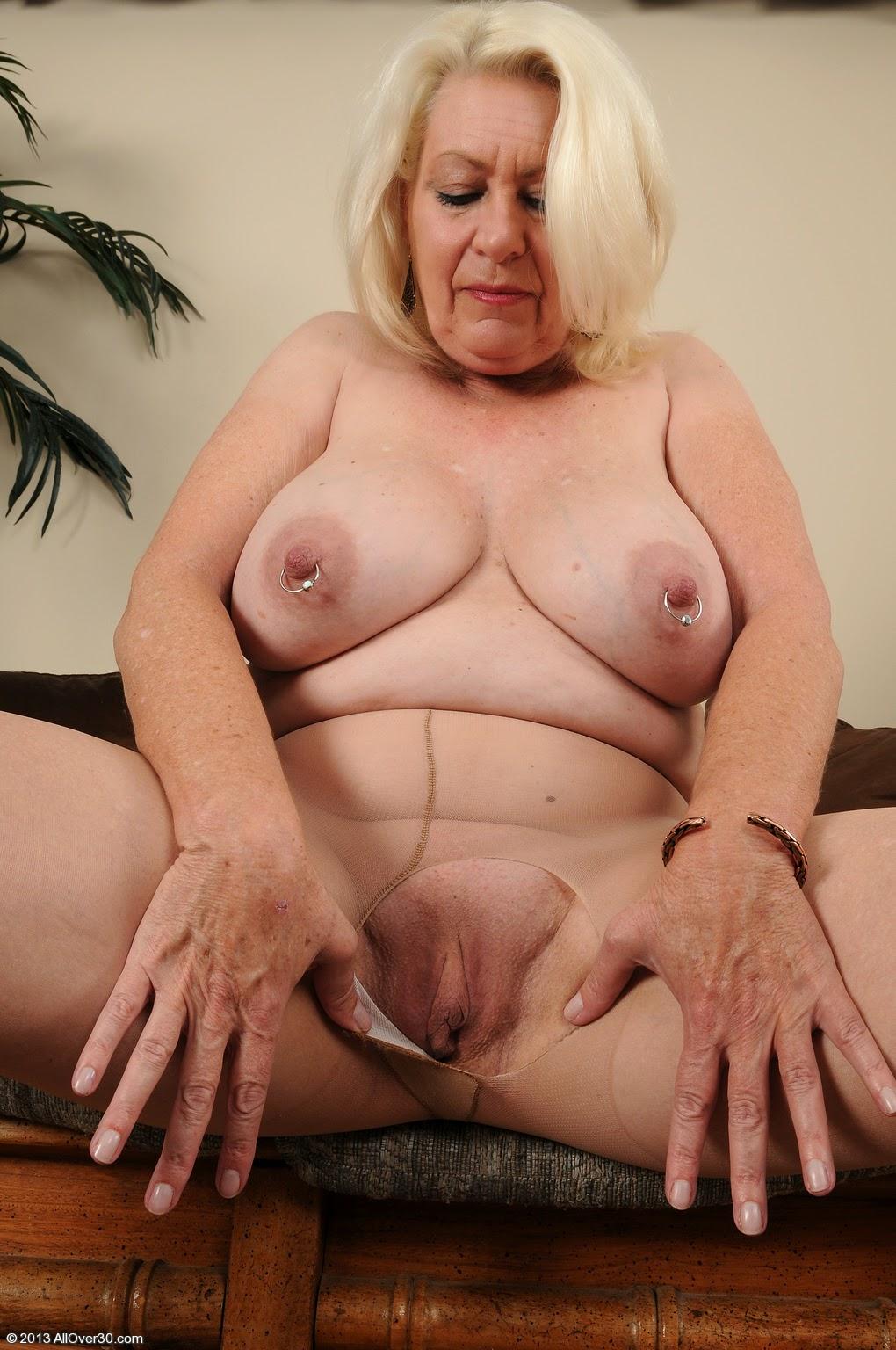 older ladies in nylon masturbating