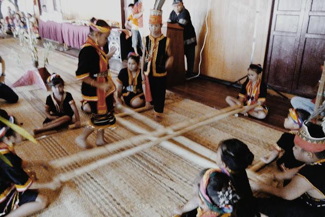 Upacara tarian tradisional masyarakat Bidayuh
