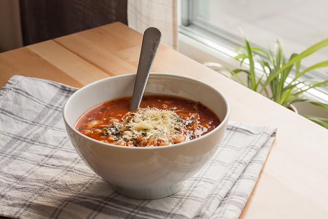 Supa od paradajza, sa pasuljem i ječmom