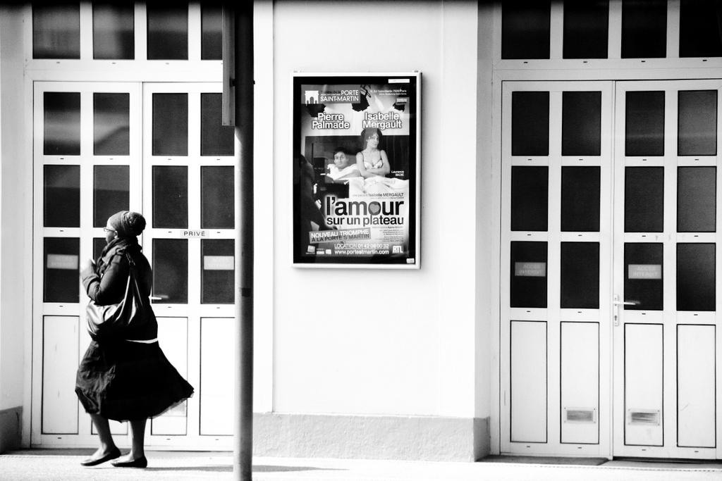 L'amour sur un plateau, by Guillermo Aldaya / PhotoConversa