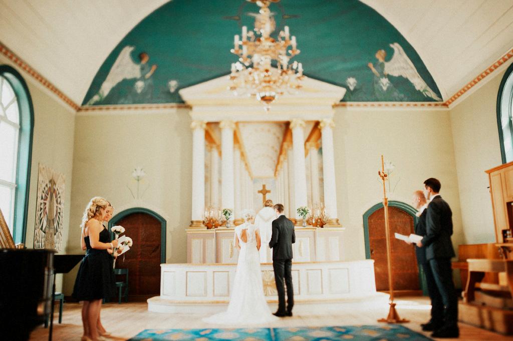 Vigsel i Sundborn kyrka | Bröllopsfotograf i Falun