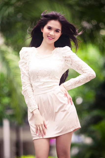 Ngoc trinh is as beautiful as an angel hot and sexy girl - Beautiful girl screensaver ...