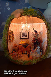 Wendi's Pumpkin House